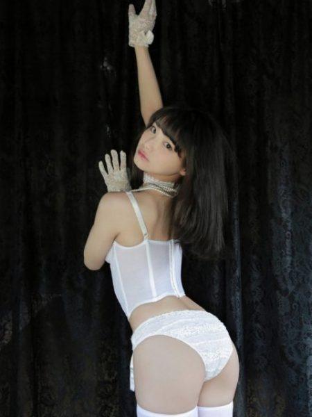 片岡沙耶 画像057