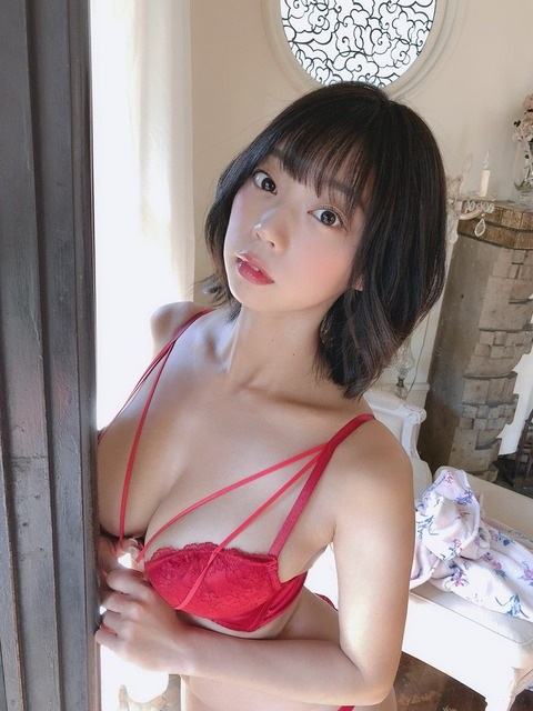 青山ひかる画像012