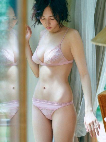岡田紗佳 画像026