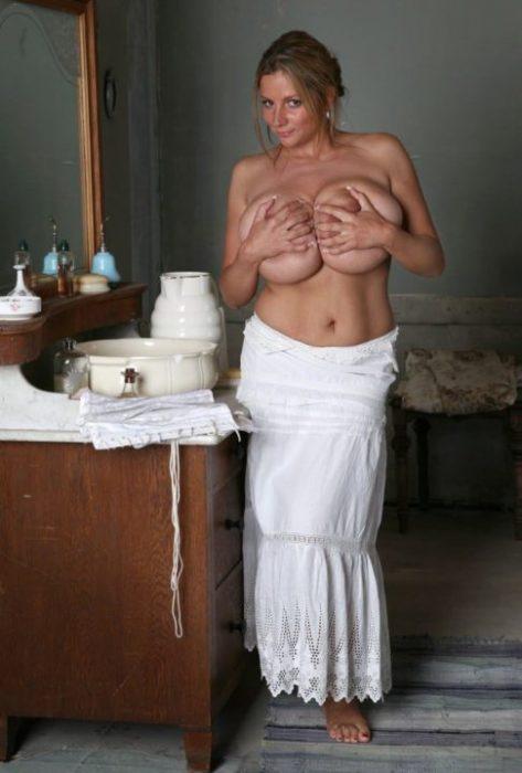 外国人手ブラ エロ画像066