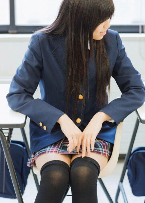 黒髪女子 エロ画像016