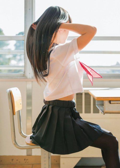黒髪女子 エロ画像034