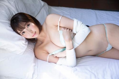 緒方咲 エロ画像009