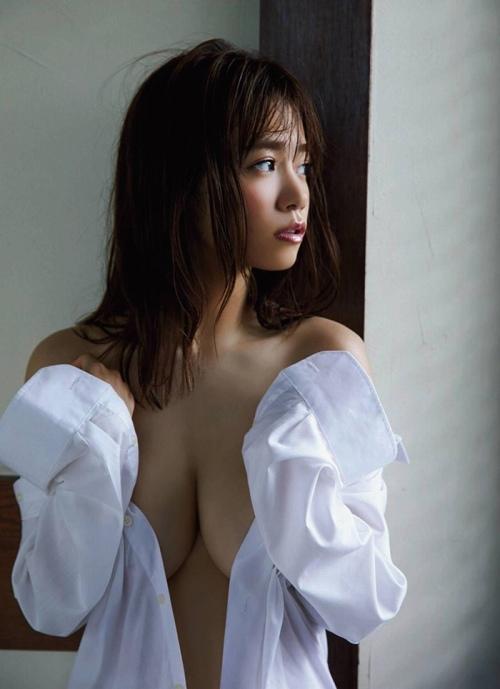 菜乃花エロ画像025