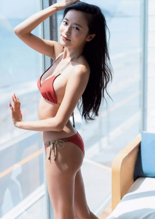 小島瑠璃子グラビアエロ画像006