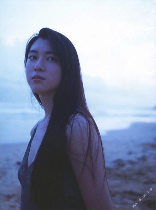 三吉彩花エロ画像087