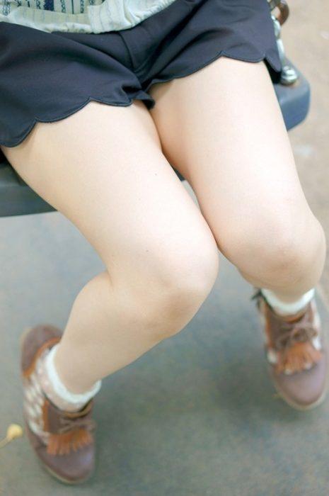美脚エロ画像038