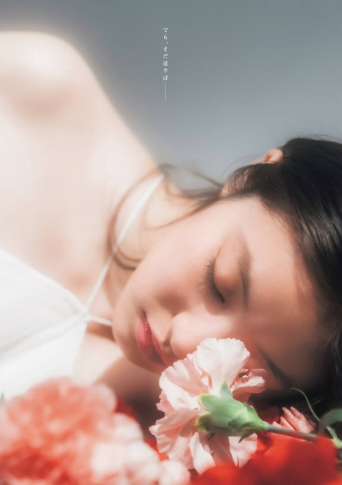 今田美桜グラビア画像024