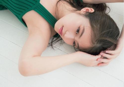 今田美桜グラビア画像040