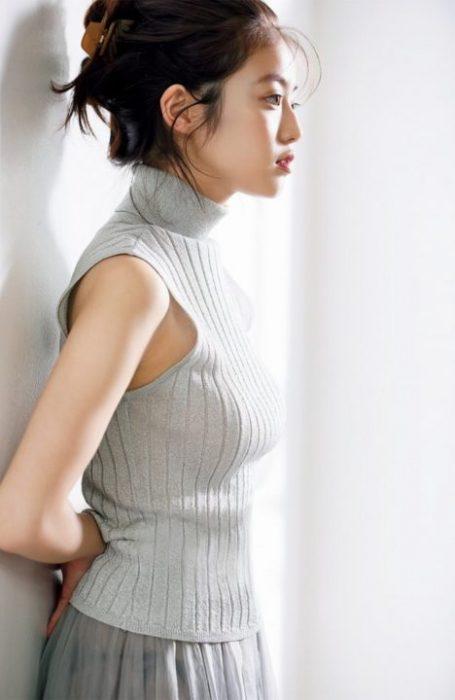 今田美桜グラビア画像062