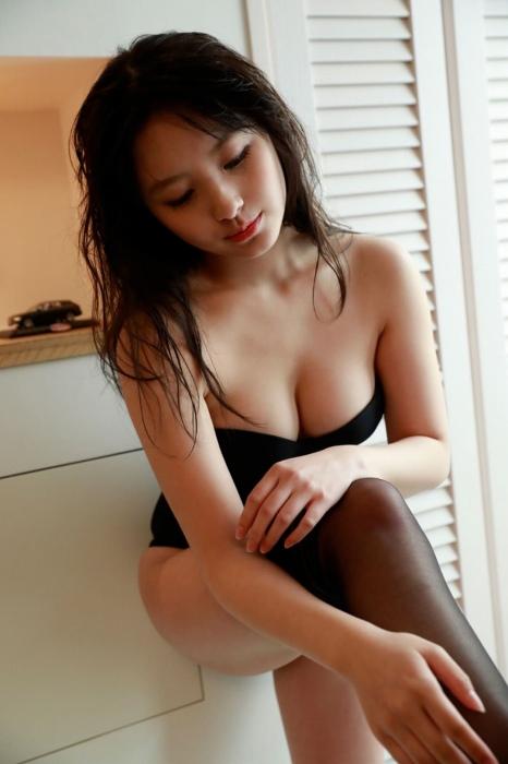 大和田南那 エロ画像037