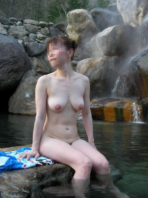 素人温泉エロ画像009