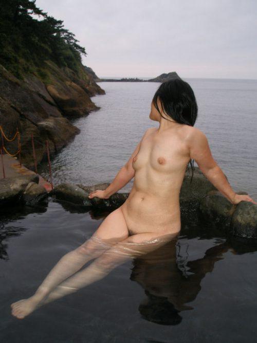 素人温泉エロ画像012