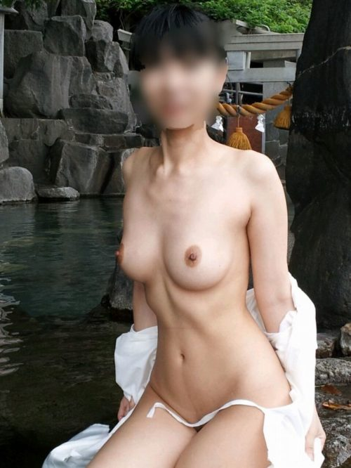 素人温泉エロ画像016
