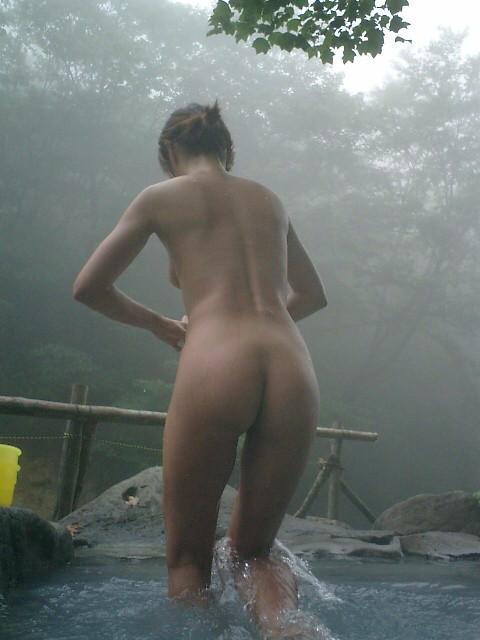 素人温泉エロ画像039