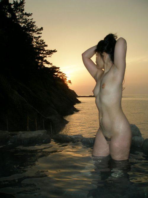 素人温泉エロ画像055