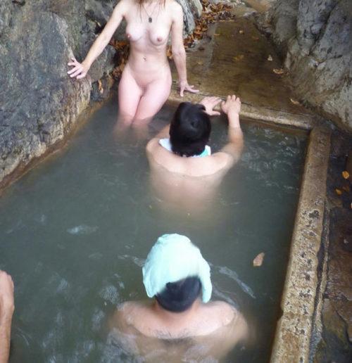 素人温泉エロ画像058