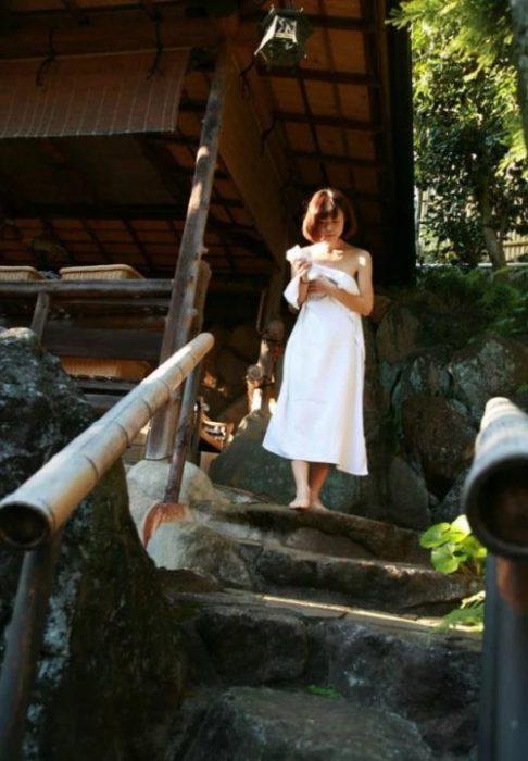 素人温泉エロ画像069