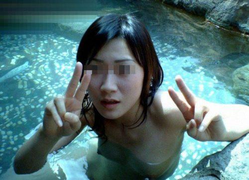 素人温泉エロ画像085