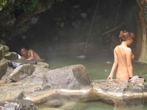 素人温泉 エロ画像107