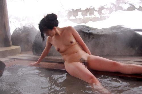 素人温泉 エロ画像110