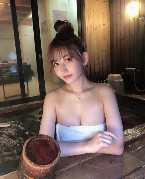 素人温泉 エロ画像222