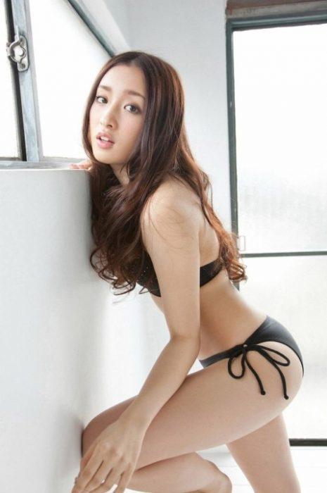 梅田彩佳エロ画像010