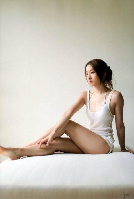 梅田彩佳エロ画像045