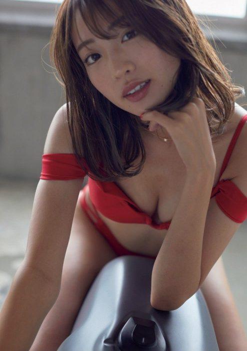 志田友美エロ画像225