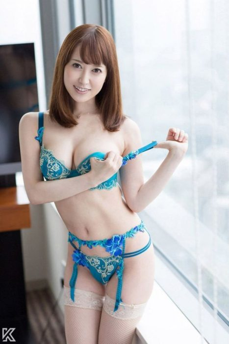 篠田ゆう エロ画像006