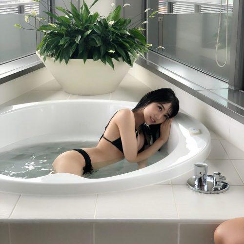 横野すみれ画像097