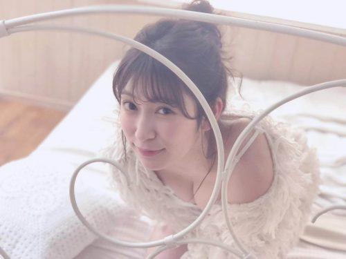 吉田朱里エロ画像011