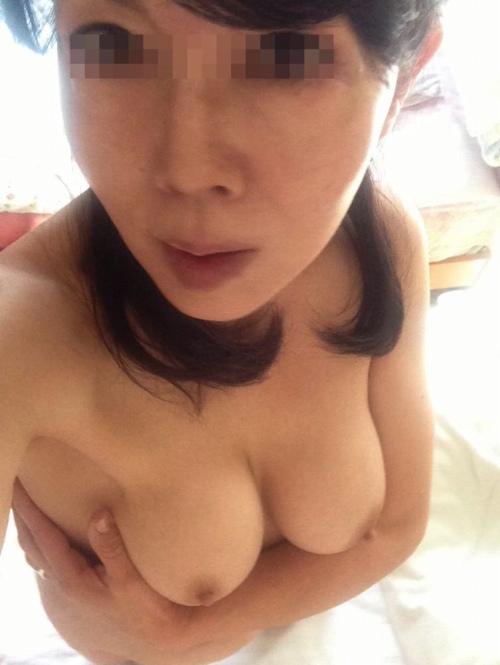 熟女自撮りエロ画像017
