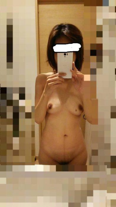 熟女自撮り エロ画像084