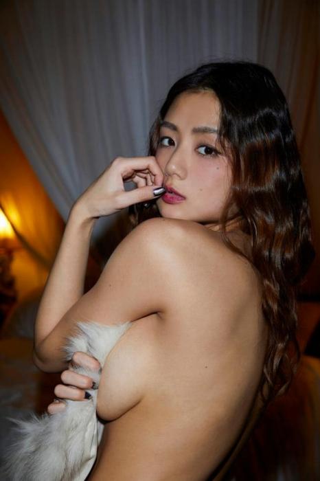 片山萌美エロ画像027