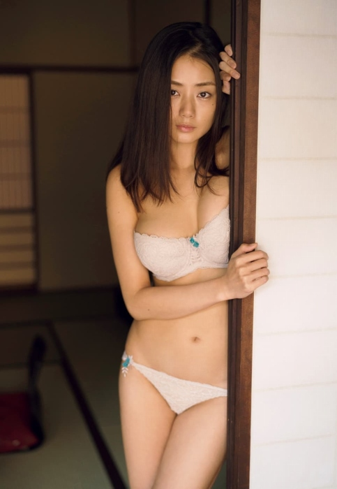 片山萌美エロ画像031