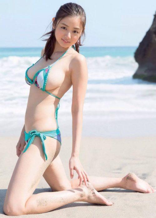 片山萌美エロ画像038
