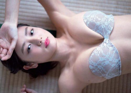 片山萌美エロ画像066