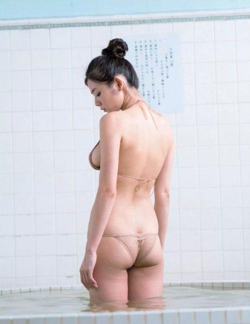 片山萌美エロ画像068