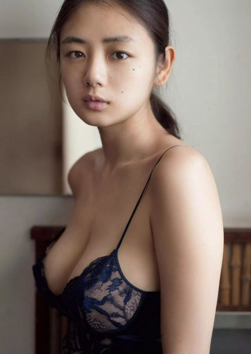 片山萌美エロ画像074