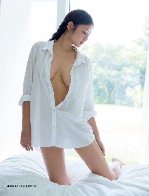 片山萌美エロ画像090