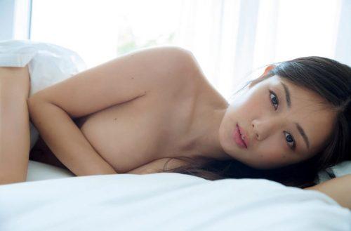 片山萌美エロ画像096