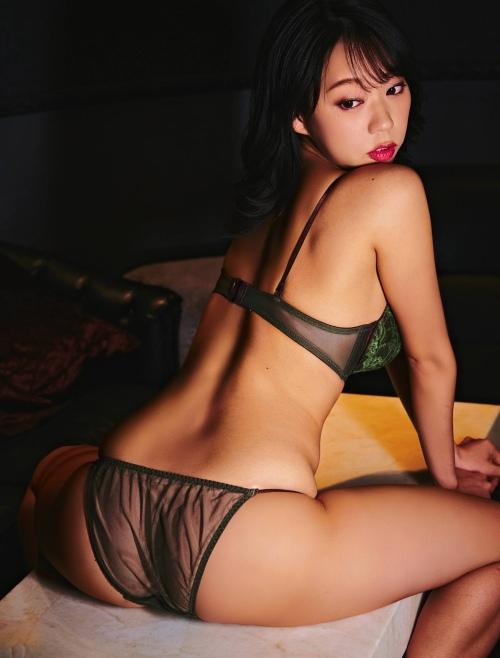 青山ひかる 画像01_039