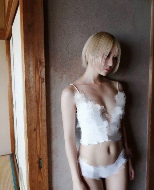 篠崎こころ エロ画像01_011