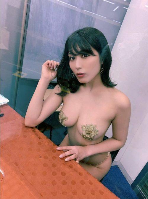 金子智美 エロ画像001