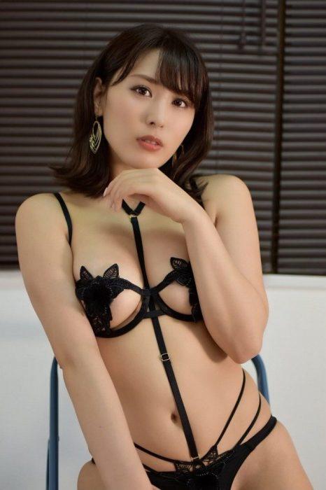金子智美 エロ画像006