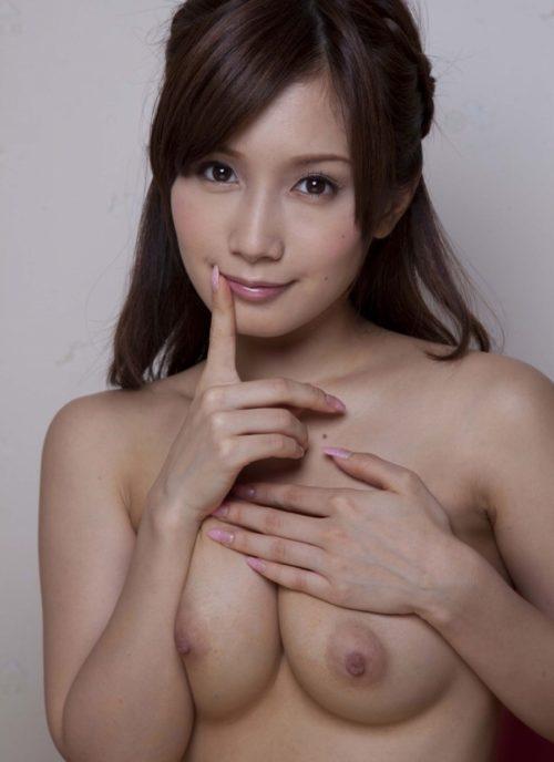 小島みなみエロ画像097
