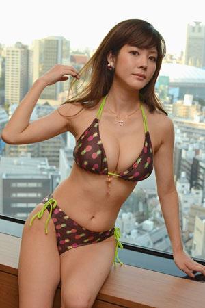 高宮まりエロ画像097