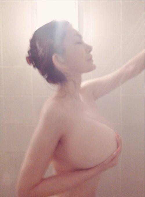 叶美香 ヌード エロ画像003