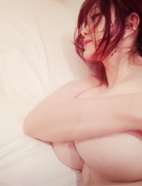 叶美香 ヌード エロ画像015